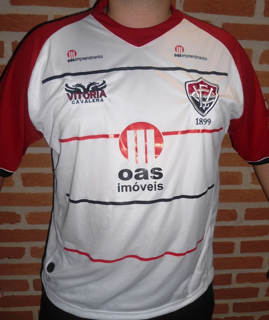 c5048e58e2 175- Camisa do Vitória (BA) – As Mil Camisas