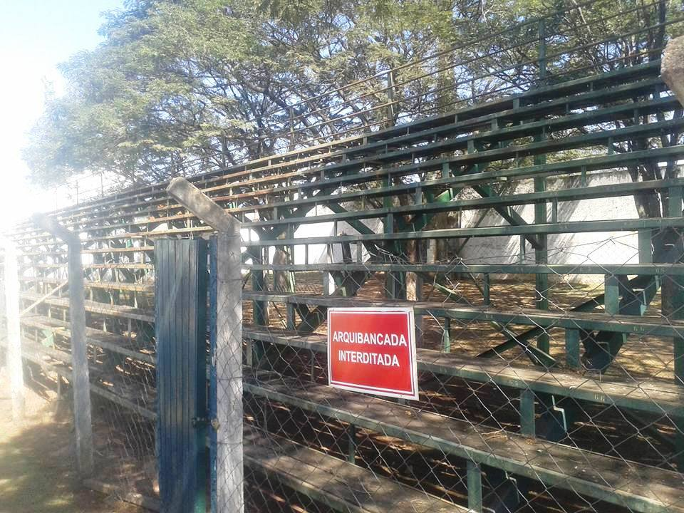 Estádio da Sociedade Esportiva Palmeirinha - Vila Famosa