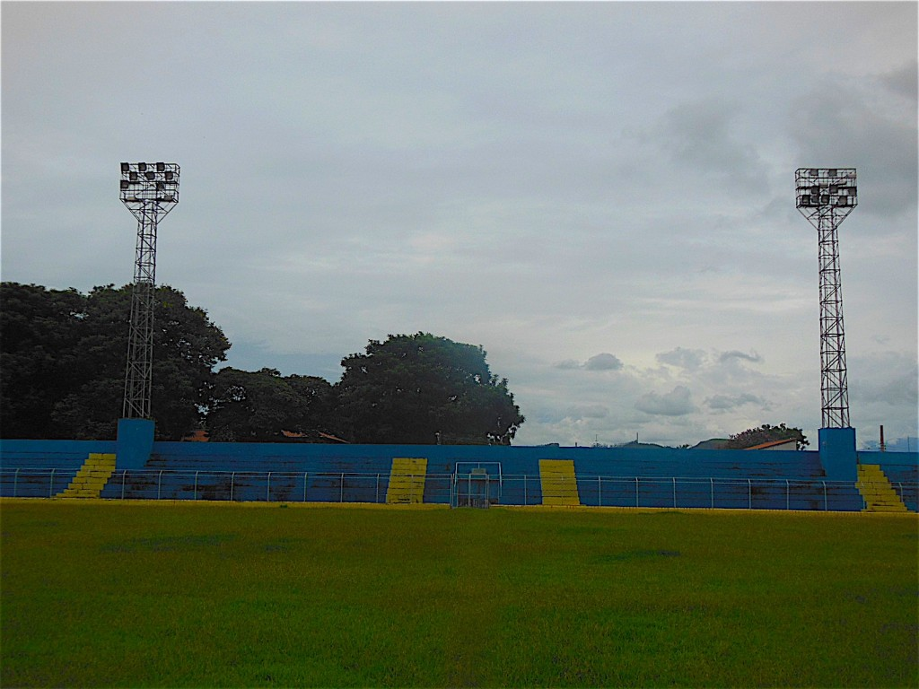 Estádio Municipal Professor Virgílio Antunes de Oliveira - Cruzeiro - SP