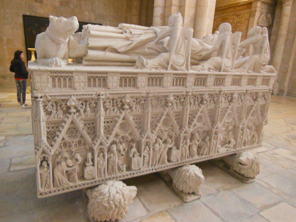 Túmulo de D Pedro - Mosteiro de Alcobaça