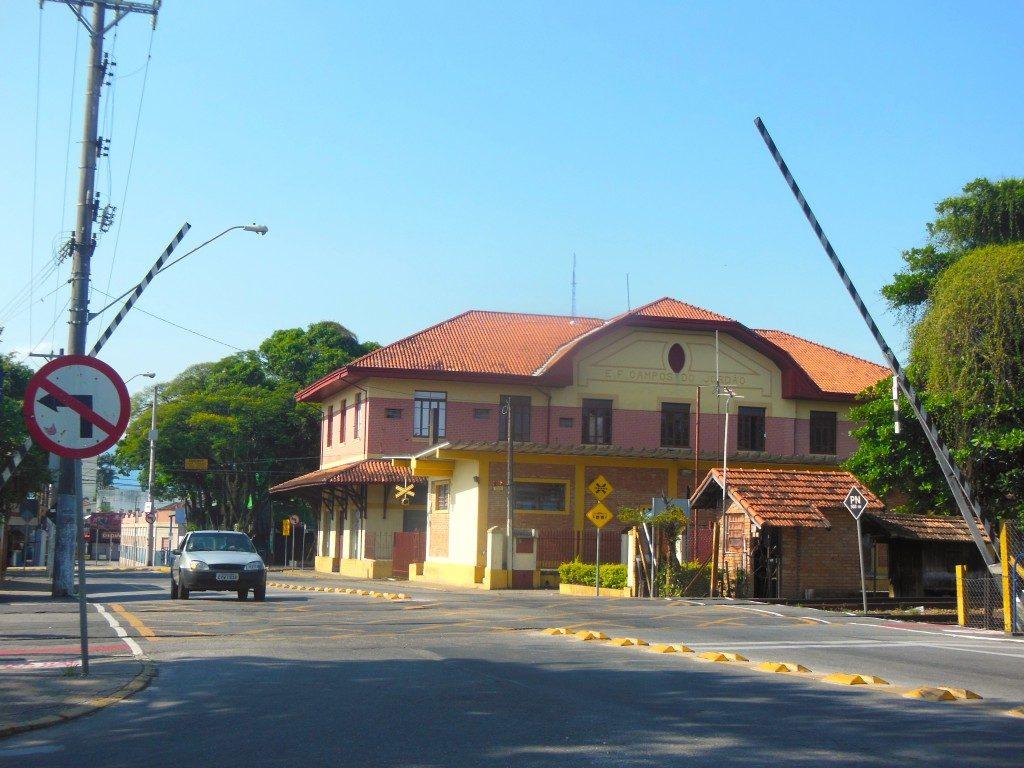 Estação ferroviária de Pindamonhangaba